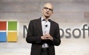 Satya Nadella dice que Microsoft necesita mejores smartphones